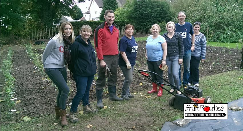 O2 Telefonica CSR Team complete their day at the Fruit Routes Lyndale Orchard